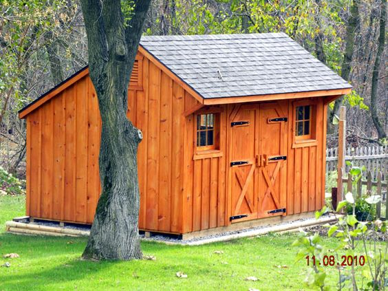 Garden sheds sheds and small barns on pinterest for Small barn ideas