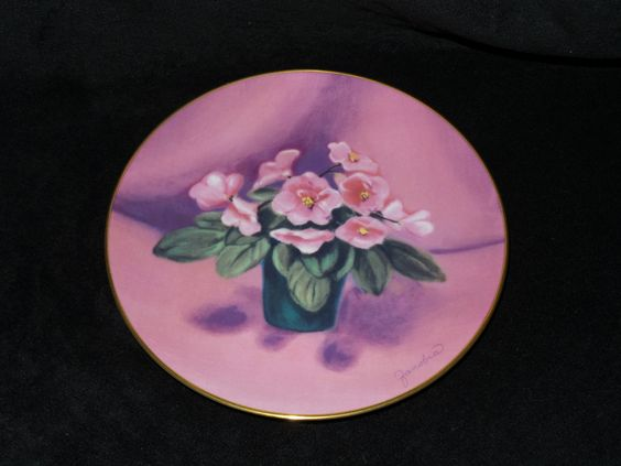 """1985 Fairmont African Violet Miniatures """"Luvkins"""" Collector Plate by Zanobia by…"""
