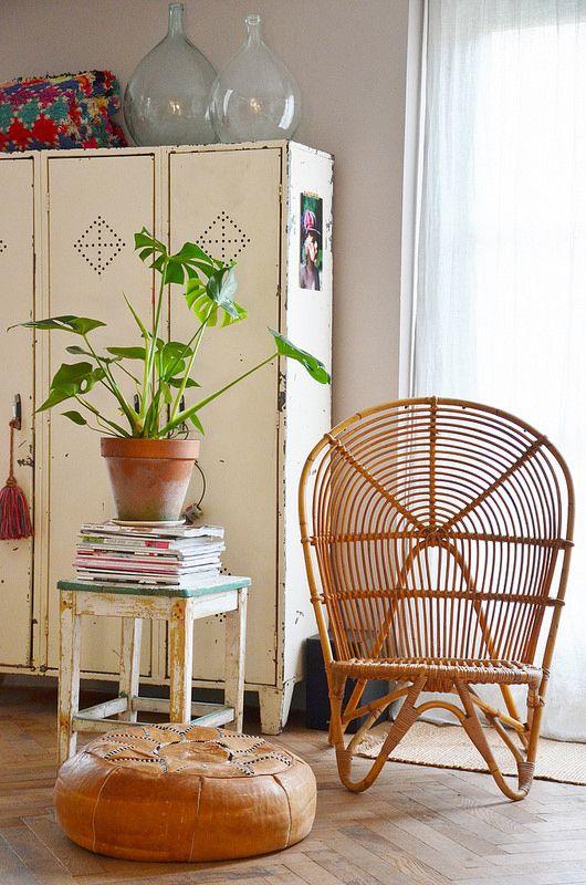 Sillas retro realizas con bambú.