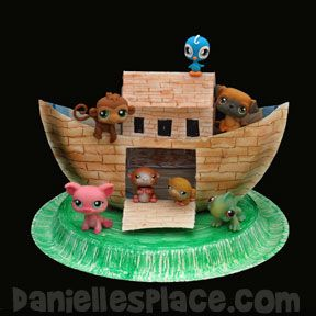 Noah ark paper plate crafts and plate crafts on pinterest for The ark of craft