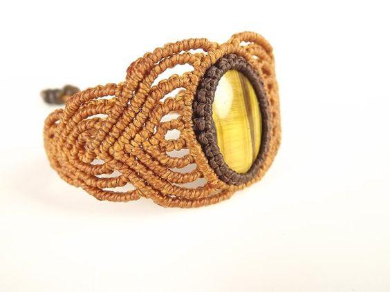 Bracelet de macramé Tiger Eye pierres précieuses par neferknots