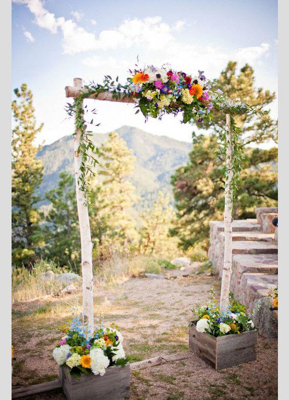 Decora el altar de tu boda al aire libre #decoración #boda