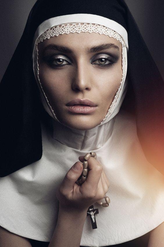 il desiderio segreto Photographer: Jean Osipyan MUA: Hovo Arakelyan Costume designer: Svetlana Stadnik Model: Stella Trapsh: