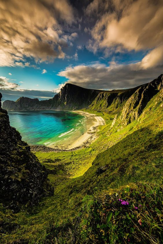 A beautiful hidden beach in Hawaii… No, wait, this is Norway  Photo by Terje Nilssen: