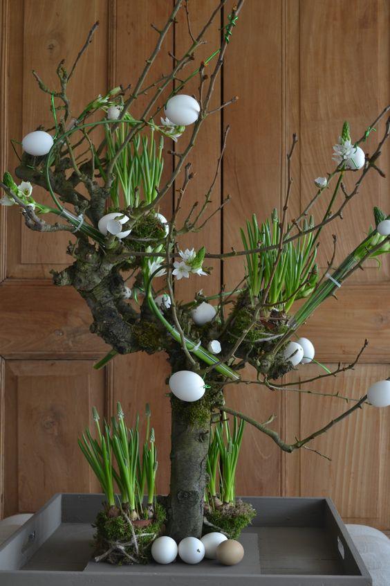 rustikale Deko ideen zu Ostern tisch hortensien strauß