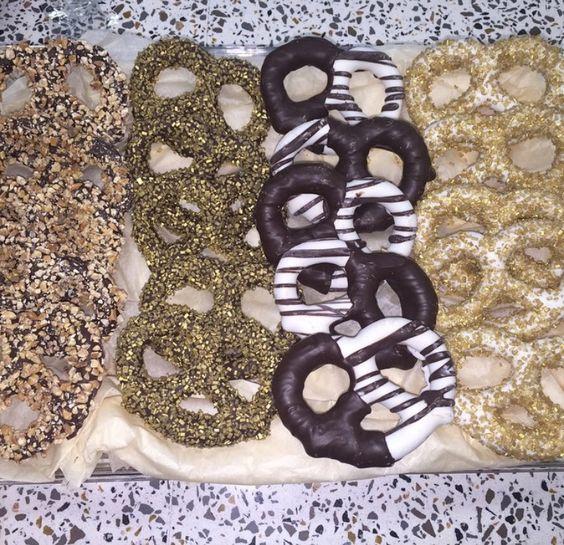 Yummy pretzels! #kosherparve #parve #pretzels #chocolatecoveredpretzels #kosher #meshuganutz