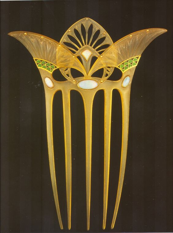Georges Fouquet - Egyptian Revival Hair Comb. Carved Horn, Gold, Enamel and Opals. Circa 1905.