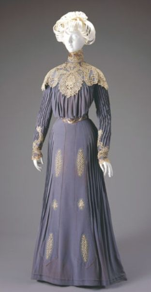 DAY DRESS: BODICE AND SKIRT  Date:1900-1901  Cincinnati Art Museum  Accession No:1971.97a-b