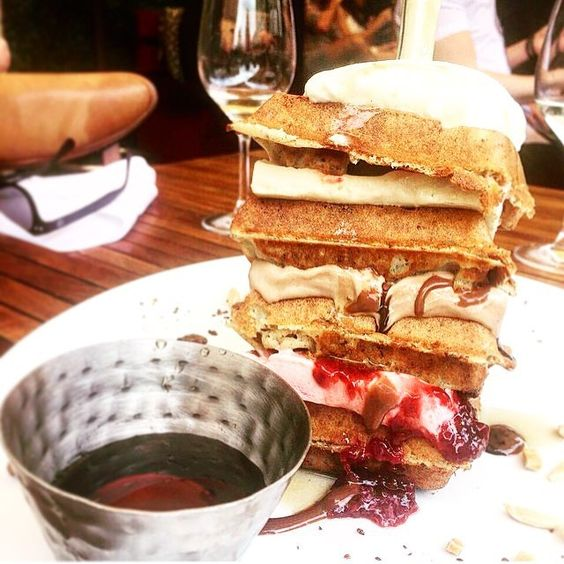 Tall tales #nevergetsold #glutenfree #anytime #waffle #tower #brunch #catchnyc #catchroof #alfresco #stillsummer #EMMEATS