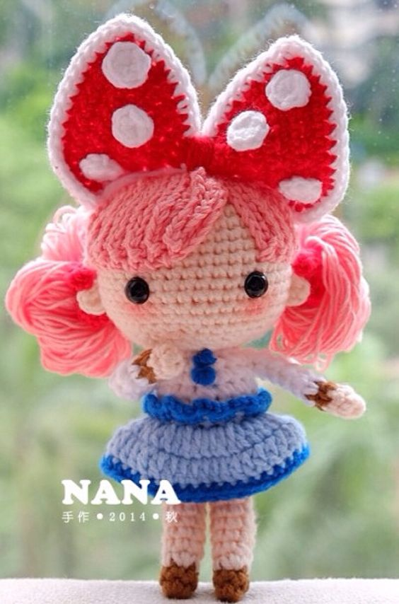 Crochet Doll Pattern Cute : with black hair, shed look like a minnie mouse look a ...