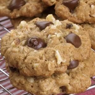 Healthier Oatmeal Chocolate Chip Cookies Recipe