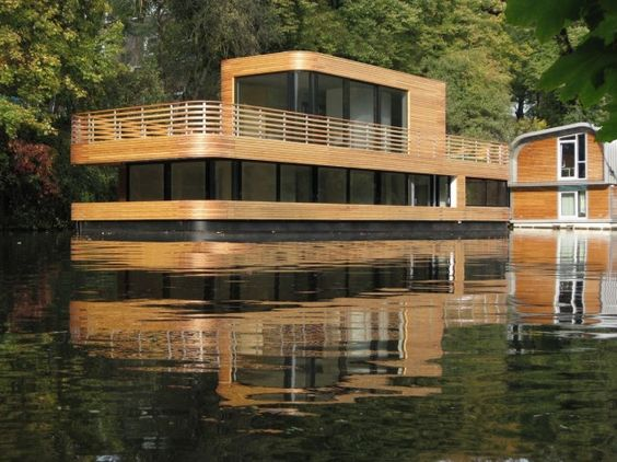 house boat.   what ever float your ..home?!?!   pinterest, Hause ideen