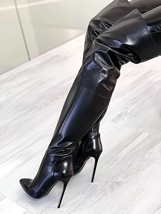 Shoes | Boots | Thigh high boots | Heels | Hakken | Over