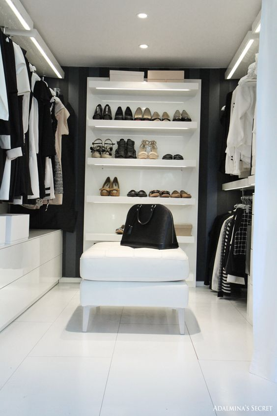Walk in closet - Adalmina's Secret