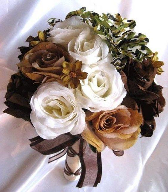 Camouflage Wedding Flowers - 20 Unique Camouflage Wedding Ideas, http://hative.com/unique-camouflage-wedding-ideas/,