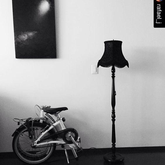 #Repost @rafael_j with @repostapp. ・・・ Por fin tenemos nuestra auténtica lámpara de @azuquitar_mx. Estamos muy contentos con ella. .... #design #decor #handmade #fringelamp #hechoamano #diseño #decoración