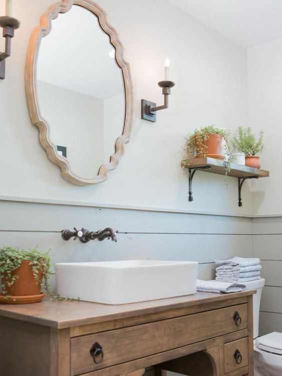 Fixer Upper Bathroom design with modern farmhouse style by Joanna Gaines. shiplap #farmhousestyle #modernfarmhouse #farmhousebathroom