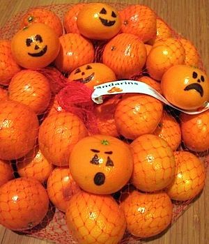cheap, easy halloween fun in the lunchbox or breakfast table.