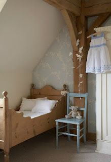 simple. elegant. perfect for a smaller space and a small person <3