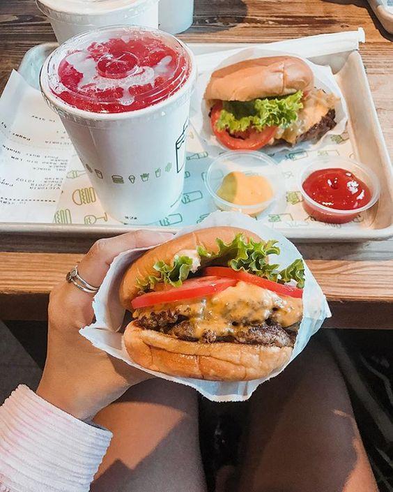 Qual seu hambúrguer favorito da vida? Instagram: @Viihrocha