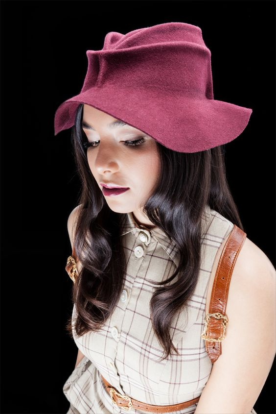 """""""CLARA' - HAT"""" -  For further information and reservations: ADIMANKO@gmail.com https://www.facebook.com/3pinothats"""