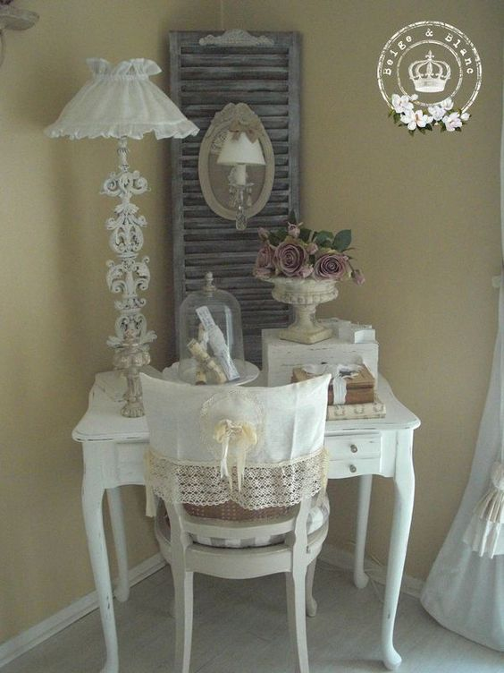 1000 id es sur le th me chaises shabby chic sur pinterest chaises chaises peintes et shabby chic. Black Bedroom Furniture Sets. Home Design Ideas