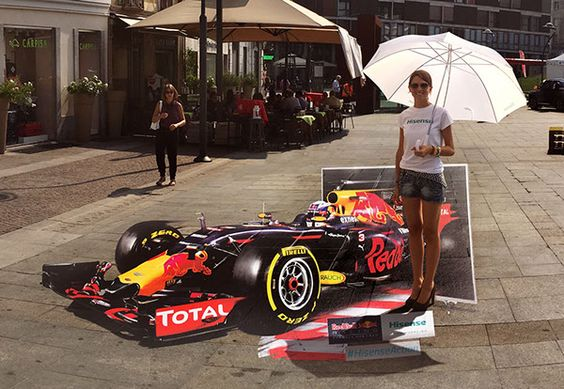 Hisense wanted to promote their technology during the F1 Grand Prix at the Monza National Autodrome in Italy in collaboration with their partner Red Bull Racing Team and asked us to create an interactive optical illusion installation for the event.