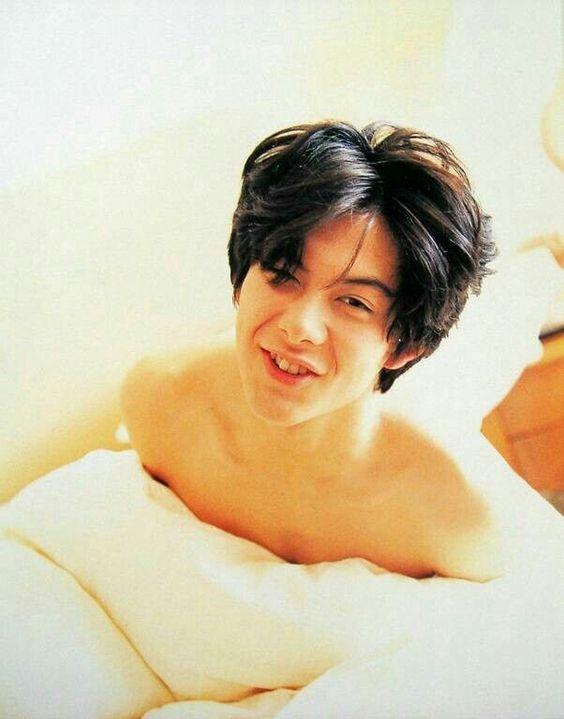 こんな感じで おはよう とか 言われたら 朝から 死亡 やわ。 イケメンよ。 あー、真剣 結婚 したい。