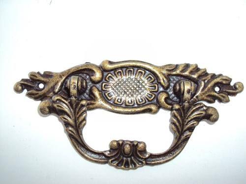 Puxador Colonial Bronze Cristaleira Porta Gaveta Alça Grand - R$ 5,68