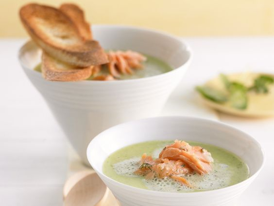 Suppe aus Kresse mit Lachs - smarter - Zeit: 15 Min. | eatsmarter.de