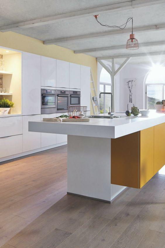 Farbige Wände in der Küche - Die 7 besten Tipps für die