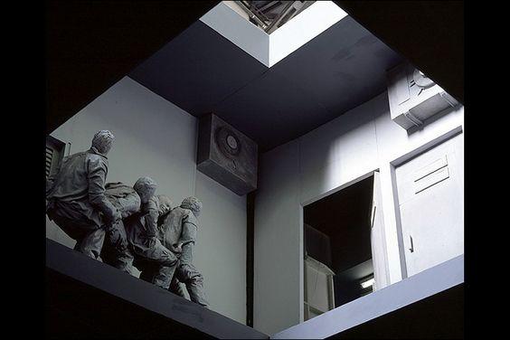 Double Bind, Juan Muñoz (2001)