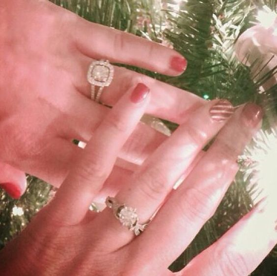 @Alissa Mandaro being engaged at Christmas time ❤️❌⭕️❌❤️