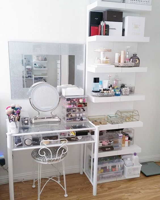 Makeup Vanity Ideas For Small Es Makeup Vidalondon