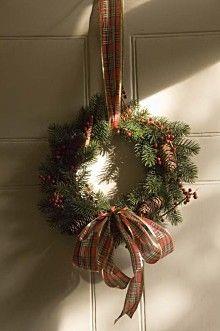 Christmas Wreath Making, Fri 6 Dec 2013, Kenilworth Castle and Elizabethan Garden | English Heritage