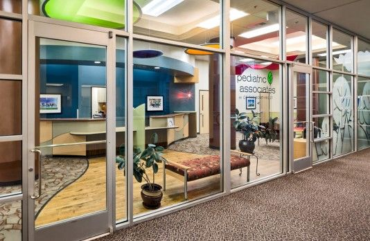 Pediatric-Associates-of-the-Northwest-Storefront-Entrance
