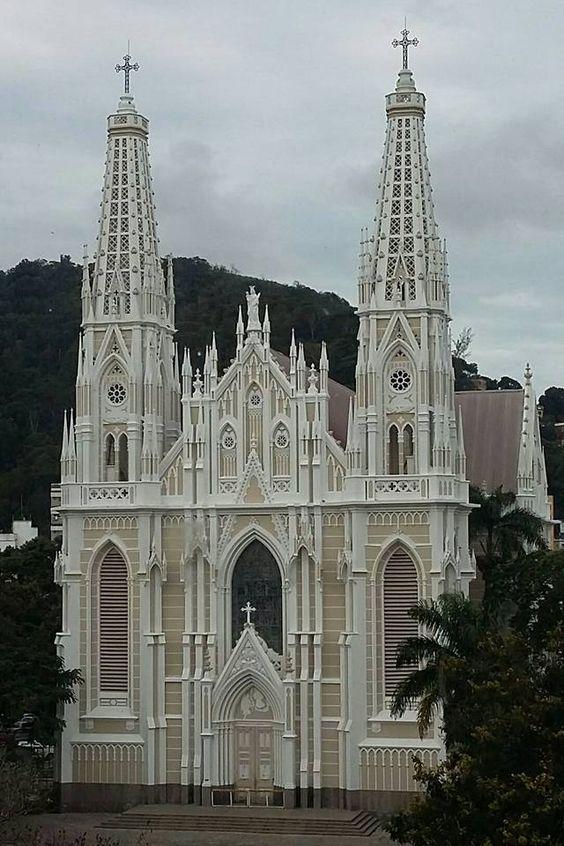 Catedral Metropolitana de Vitória Espírito Santo  Veja mais em https://instagram.com/belezascapixabas — com Terezinha Rosa e Gerardo Forlenza.