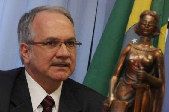 Post  #FALASÉRIO!  : Luiz Edson Fachin. Este é o nome do indicado por D...