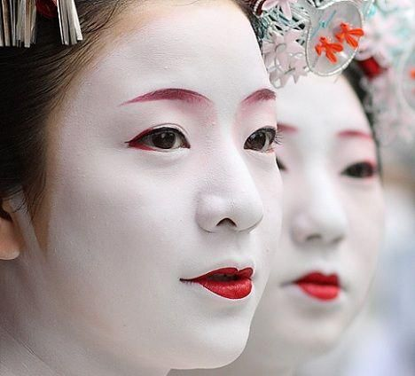 Geishas and kimonos...