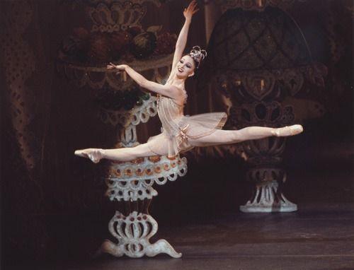 Galina Ulanova Ashley Bouder In The Nutcracker Nycb 2011 City Ballet Ballet Dance Photography Ballet Dancers