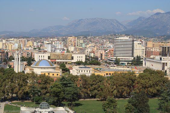 Tirana Albanien im Albanien Reiseführer http://www.abenteurer.net/2761-albanien-reisefuehrer/
