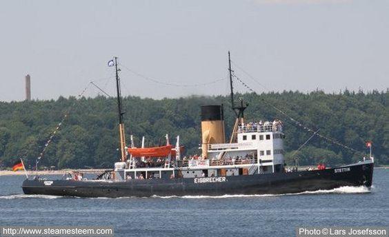 steam-icebreaker-Stettin-sailing
