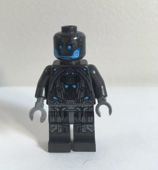 US Seller Marvel Minifigures Ultron WE COMBINE SHIPPING