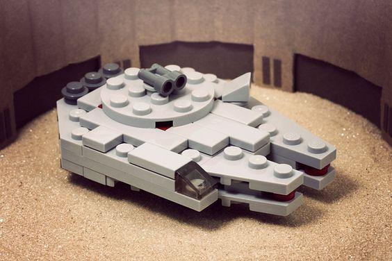 LEGO Micro Millennium Falcon