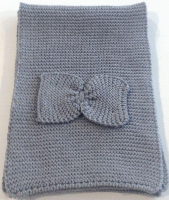 SCIARPA CATYA,  Sciarpa da bambina e da ragazza in lana merinos di Catya con fiocco decorativo in tinta.  http://www.abbigliamento-bambini.eu/compra/sciarpa-catya-grigio-scuro-2887274