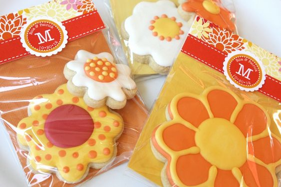 How Sweet It Is: Fall Flower Cookie Favors