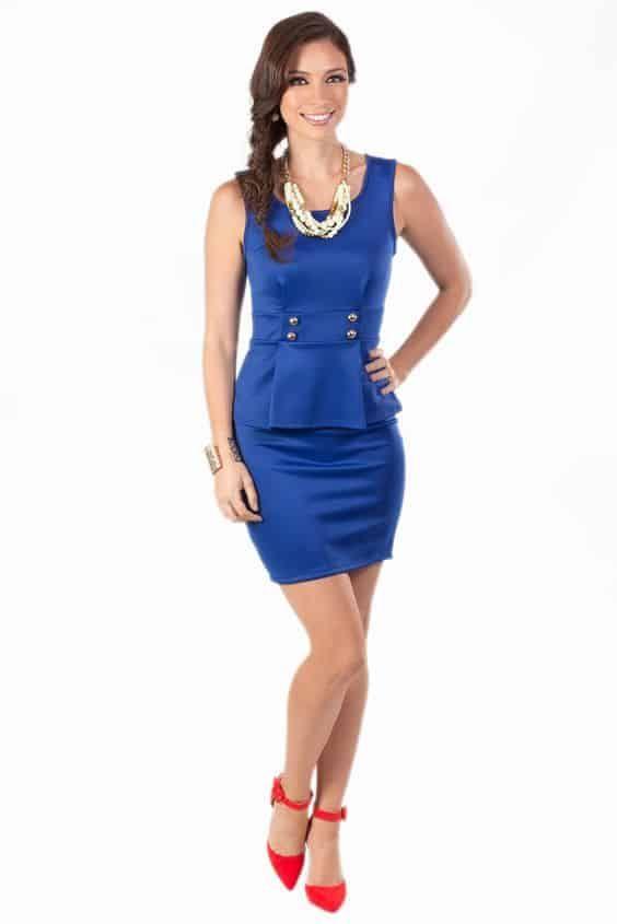 Cómo Combinar Un Vestido Azul 20 Looks Vestidos Azules Zapatos Para Vestido Azul Vestidos Azul Eléctrico