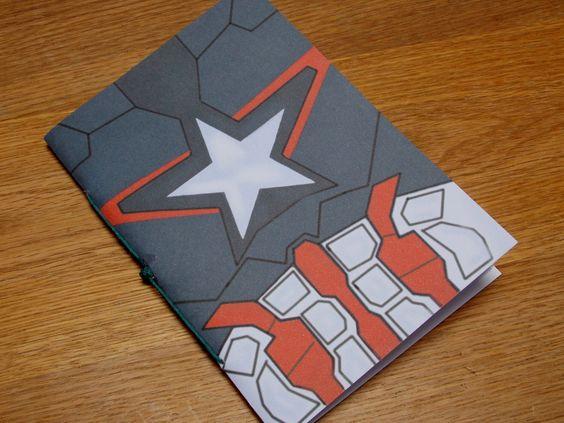 Captain America âge d'Ultron uniforme - Notebook - Mini - Marvel par MidgardianTreasures sur Etsy https://www.etsy.com/fr/listing/232888737/captain-america-age-dultron-uniforme