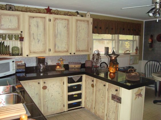 Primitive kitchen country primitive and country kitchens for Country kitchen designs on a budget