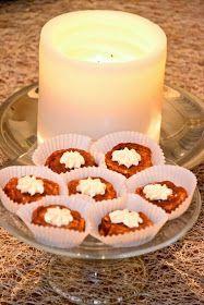 Lipstickbakery: Cinnamon rolls, anyone?